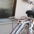 放置自転車のおしりが迫る